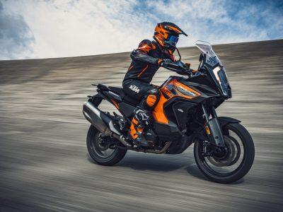 新型KTM 1290 SUPER ADVENTURE シリーズを発売